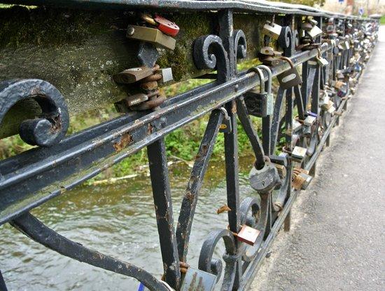 Uzupis: One of many bridges to Užupis