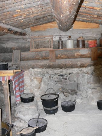 American West Heritage Center: Inside the dug-out
