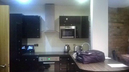 Signature Living: Kitchen area