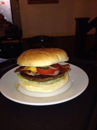 Cheese& bacon burger @the rumblin Tum cafe