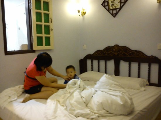 The Baba House : King size bed