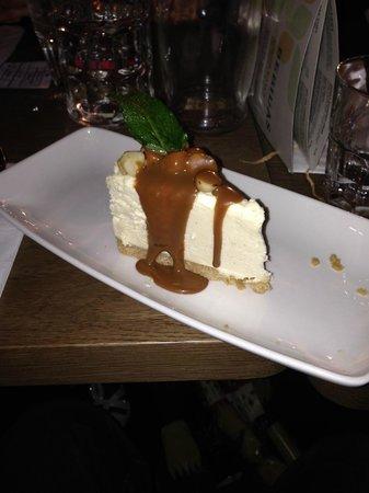 Las Iguanas - Exeter: Macademia cheesecake