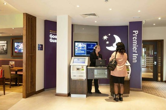Premier Inn Fleet Hotel: Check in