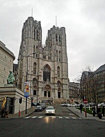 Cathédrale Saints-Michel-et-Gudule de Bruxelles : Cattedrale di giorno