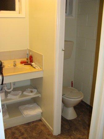 Aloha Seaview Resort Motel: Bathroom