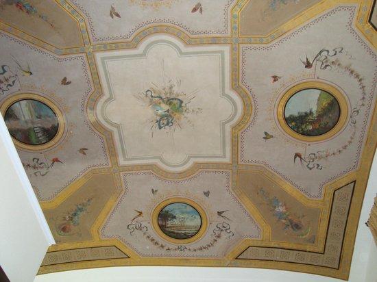 Auditorium di Mecenate: Frescos en el techo