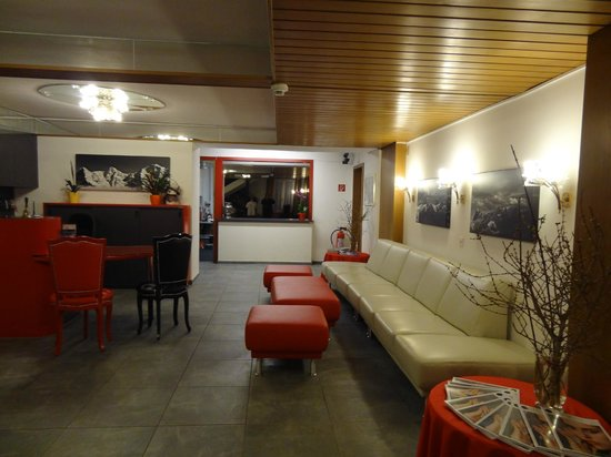 Recepção Hotel Weisses Kreuz, Interlaken