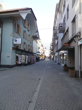 Rua entrado do Hotel Weisses Kreuz, Interlaken
