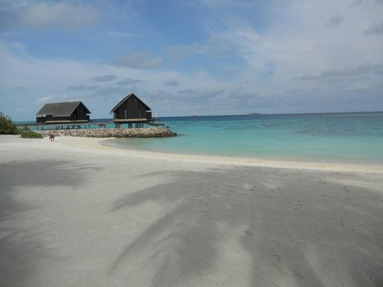 One&Only Reethi Rah: Semi Private Beach