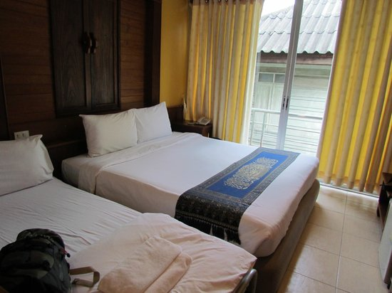Lamphu Tree House: our standard room with extra bed