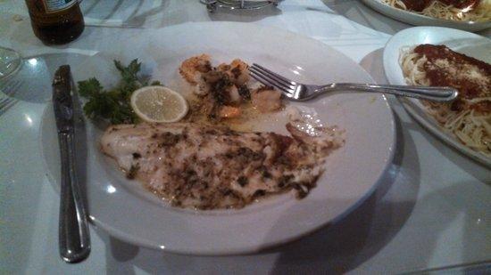 Brick Oven Cafe: Fish was Delish!