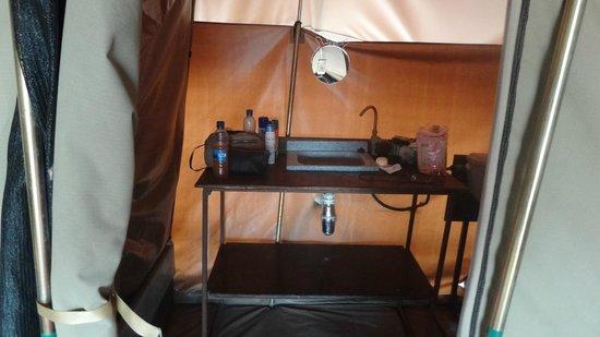 Khwai Tented Camp: acqua corrente