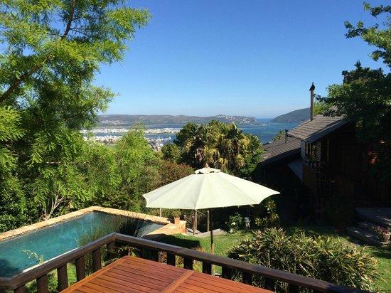 Zauberberg Cottage: Der Blick von der Veranda auf die Bay