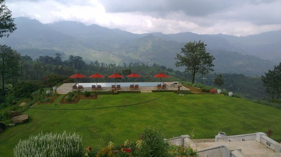 Madulkelle Tea and Eco Lodge: View from the patio