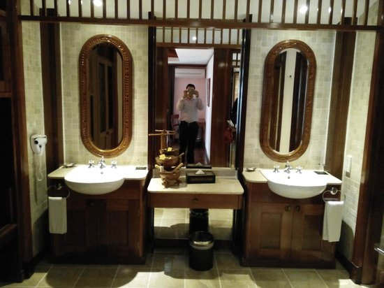 Vivanta by Taj Rebak Island, Langkawi: Bathroom