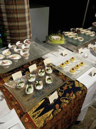 Vivanta by Taj Rebak Island, Langkawi: Desserts at the Dinner Buffet