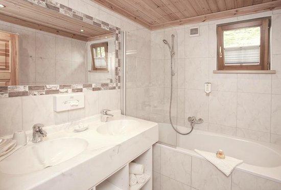 Chalet Hotel Leitenhof: Bad In Der Panoramasuite