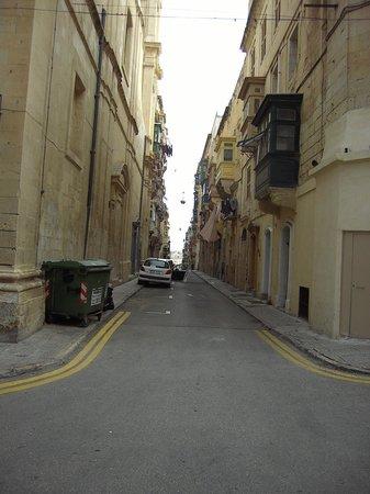 Malta5D: Strassen v. Valetta