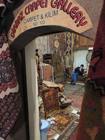 Kizlaragasi Han Bazaar: Upper level