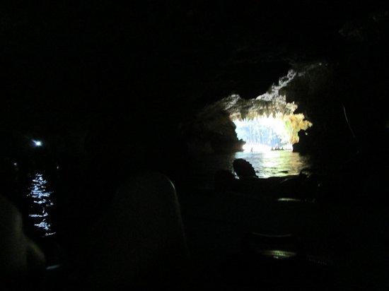 V.I.V. Tours: going through a cave
