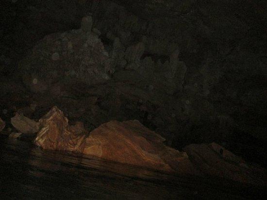 V.I.V. Tours: cave