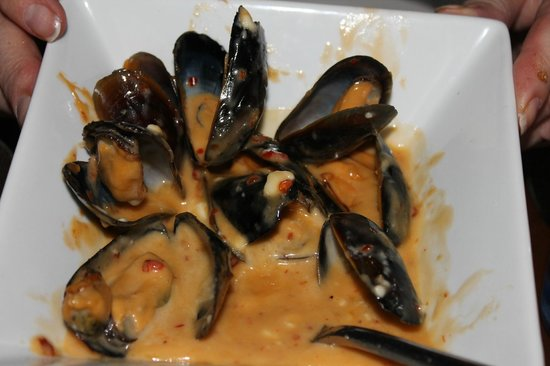 Tapas Restaurant: Muscles with blue cheeze and chili  this was my favorite