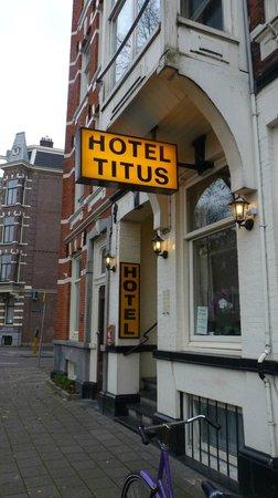 Hotel Titus: Fachada do hotel