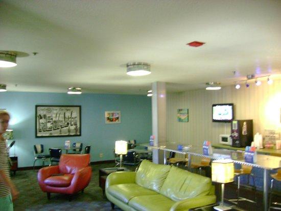 Super 8 Las Vegas Strip Area at Ellis Island Casino: Lobby/Reception