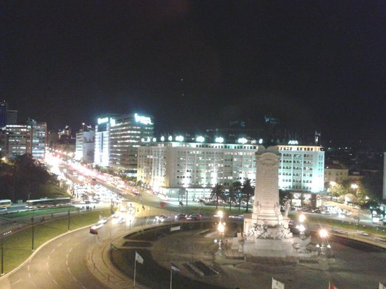 HF Fenix Lisboa : Vista da Praça Marques de Pombal
