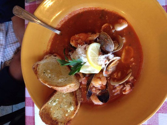 Louie Linguini's: Cioppino
