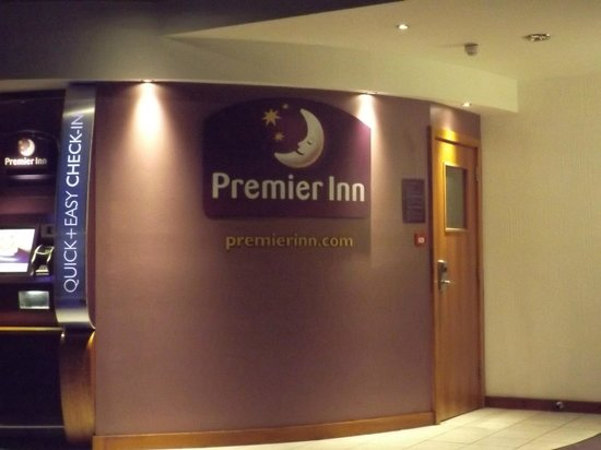 Premier Inn London Kings Cross Hotel: hall