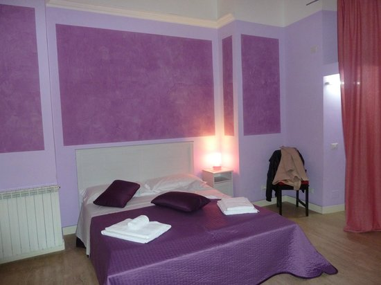 Trevi Fountain Guesthouse: chambre