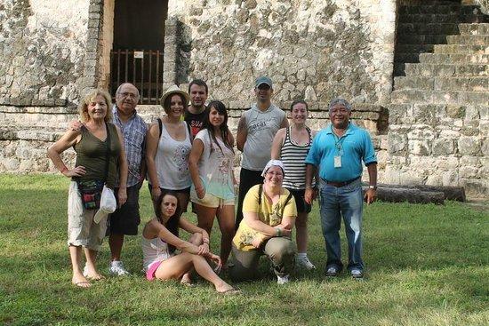 Excursiones Riviera Maya: Una gran familia por un día.