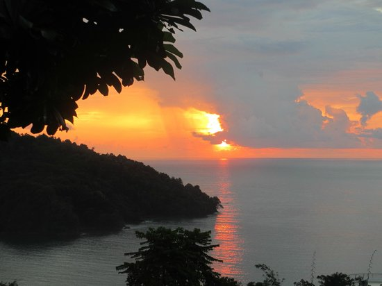 Tulemar Bungalows & Villas: One of many sunsets from Mot Mot