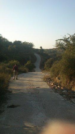 Rawla Bathera Hotel : Peaceful Long Trek