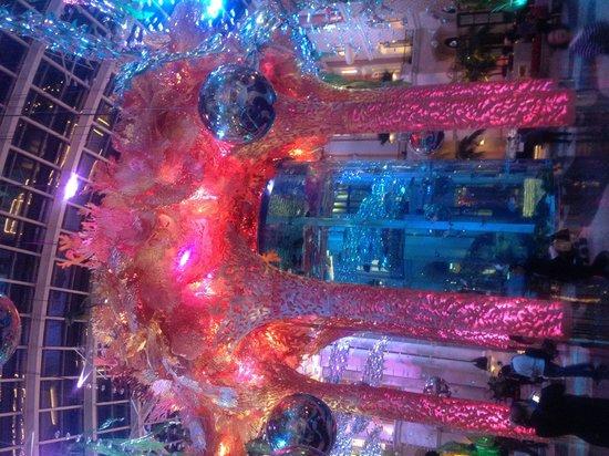 MGM Macau : Underwater theme for MGM Xmas