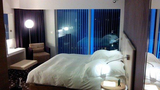 Hôtel Barrière Lille: chambre deluxe au 7ème étage