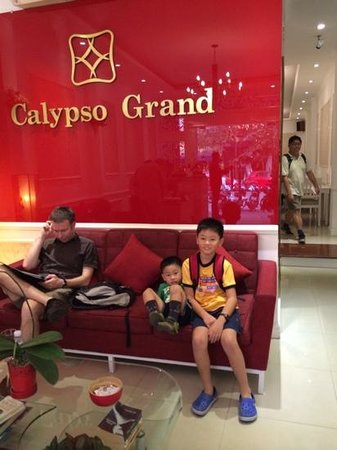 Calypso Grand Hotel: hotel lobby area. right behind is the lift, and beyond that, the dining area.