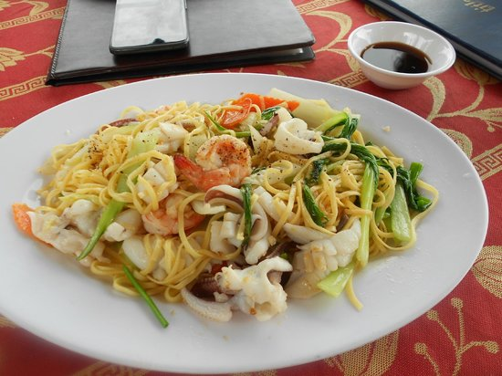 Mai Phuong Beach Resort: seafood noodles- delicious
