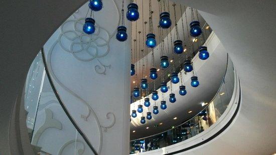 W Doha Hotel & Residences : Lobby atmosphere