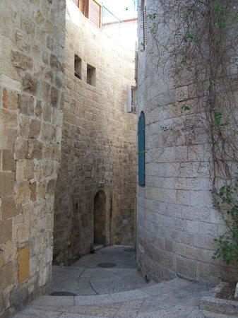 Jewish Quarter: Narrow passage