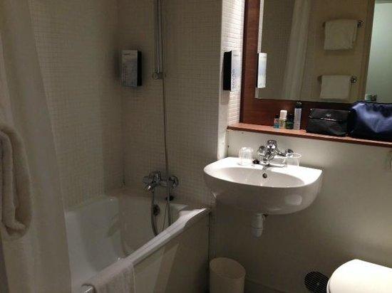 Campanile Paris Sud - Porte d'Italie: la salle de bain