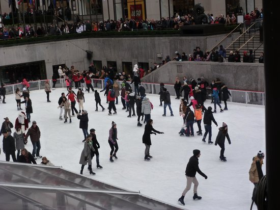 San Fermin B&B: Ice skating at the Rockefeller Center