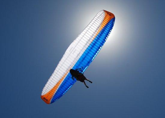 Cuchi Corral: Volar