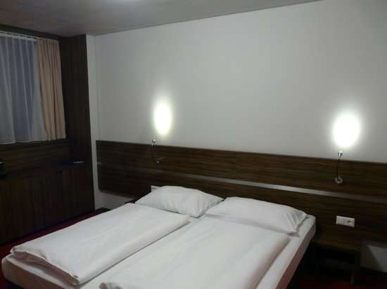 Simm's Hotel: lit