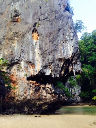 Thalang District, Thaïlande : Piranha shaped rock