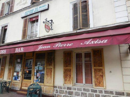 Auberge des Arcades: 店舗外観