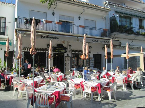 los Arcos: Outdoor Seating area that overlooks the Main Square
