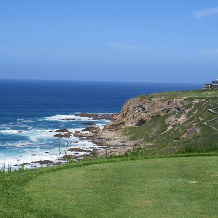 Pinnacle Point Beach and Golf Resort: The sea from the Tee