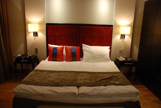 Radisson Blu Elizabete Hotel: В номере, кровать